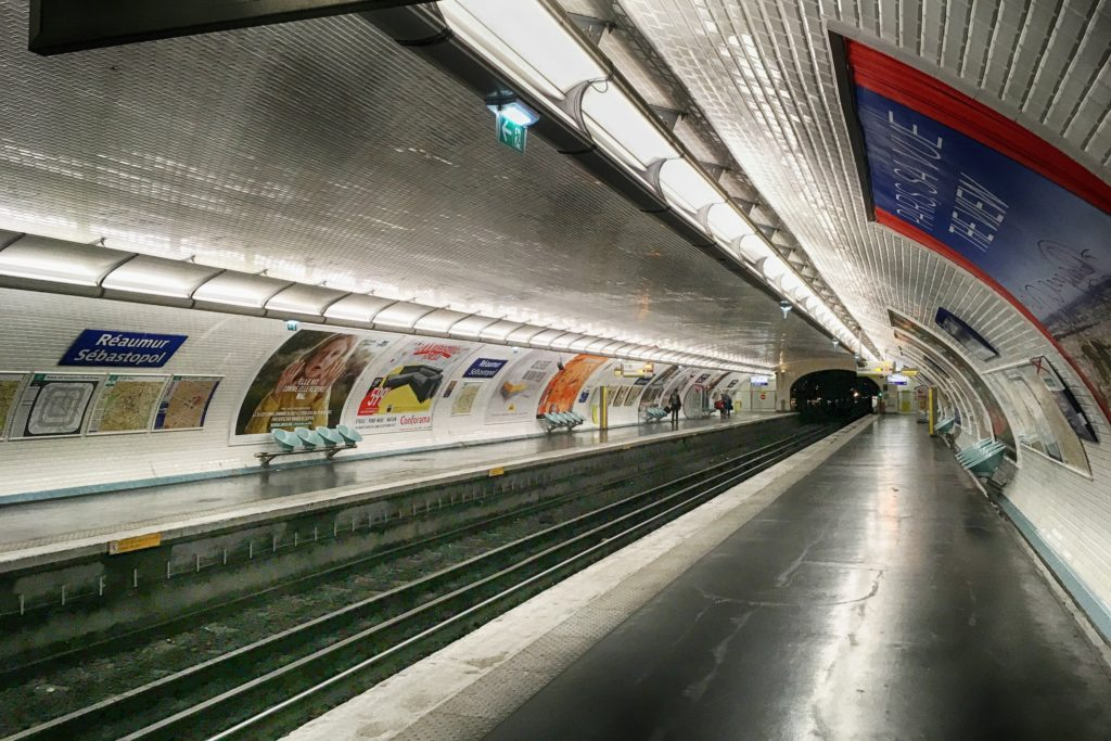 Paris metro tunnel